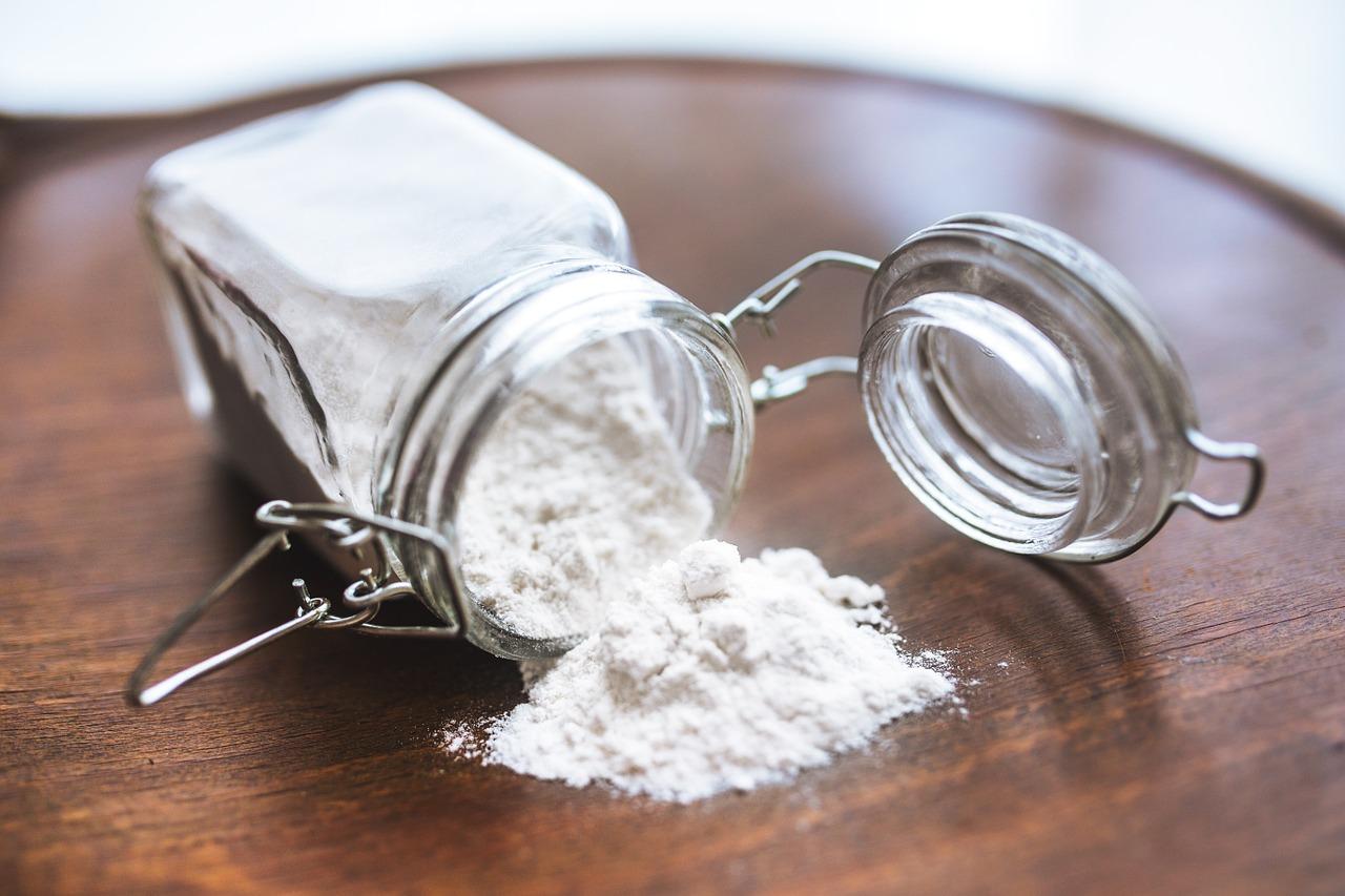 rozsypana mąka