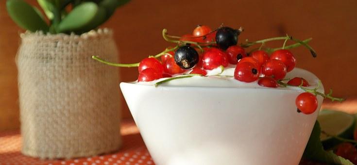 jogurt naturalny przekąska