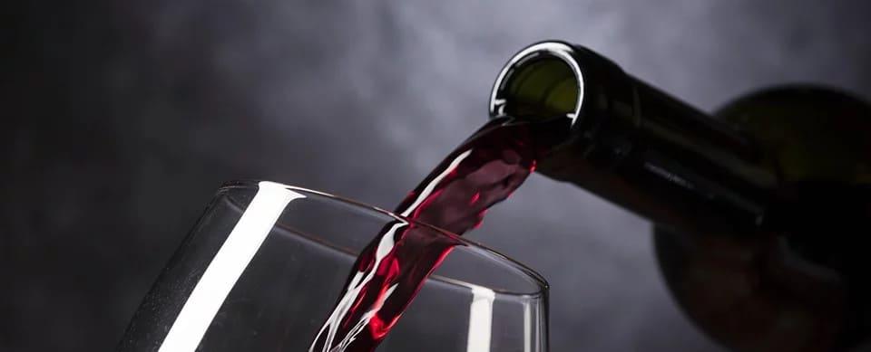 ALKOHOL – DOBRY CZY ZŁY? WPŁYW NA ZDROWIE